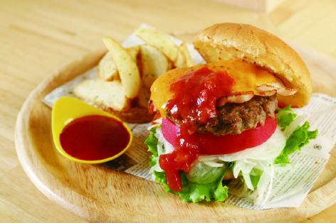 ひなたビーフハンバーガー(ポテトフライ付)
